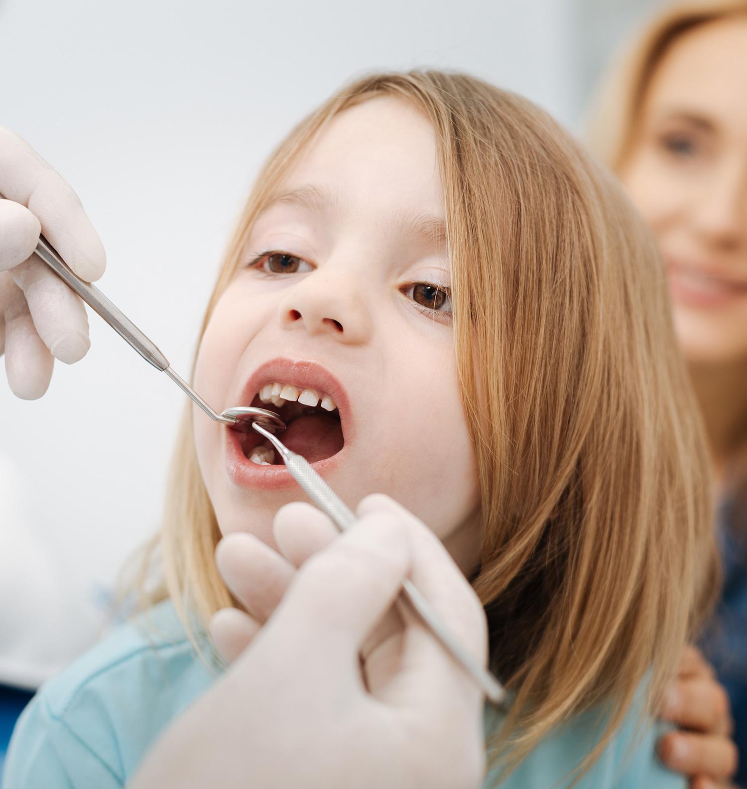 Dentiste pédiatrique pour les soins dentaires | Cabinet dentaire Kim Tran