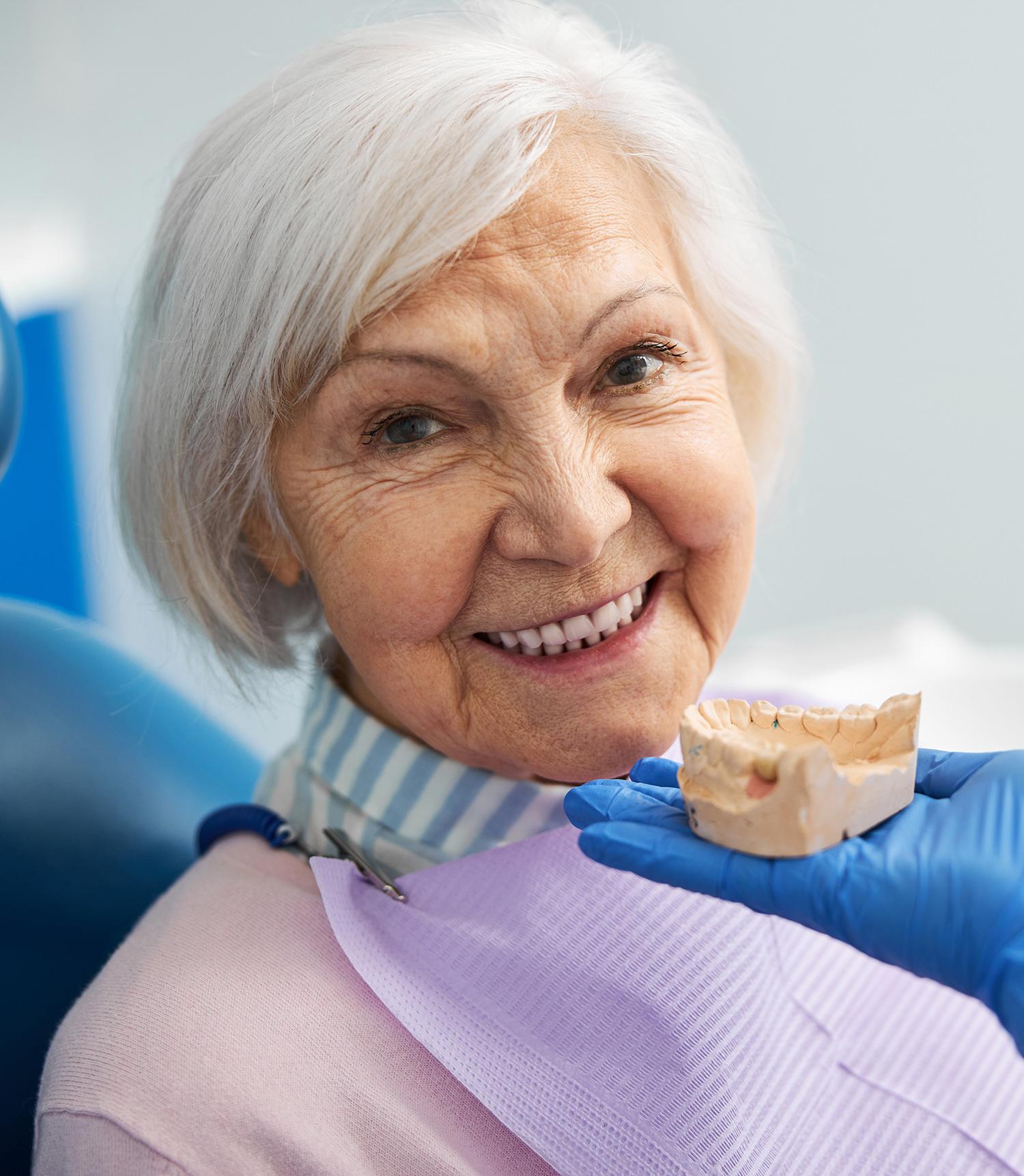 Pose de prothèse dentaire par un spécialiste   Cabinet dentaire Kim Tran
